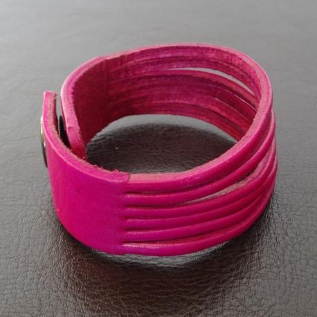 Bracelet en cuir rouge fushia